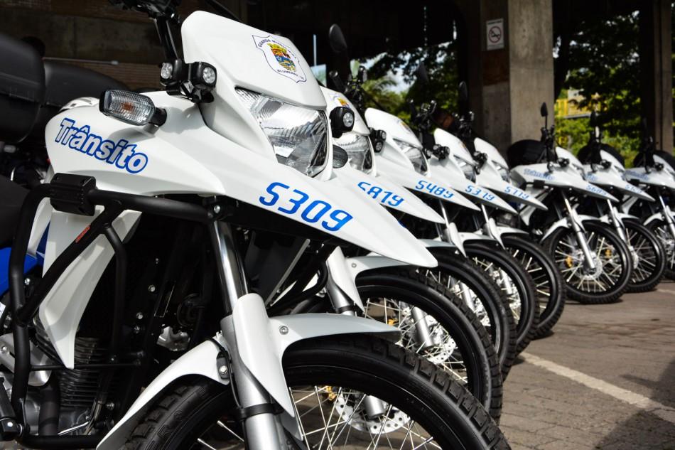 Seterb adquire novas motocicletas para a GMT e van para a Área Azul