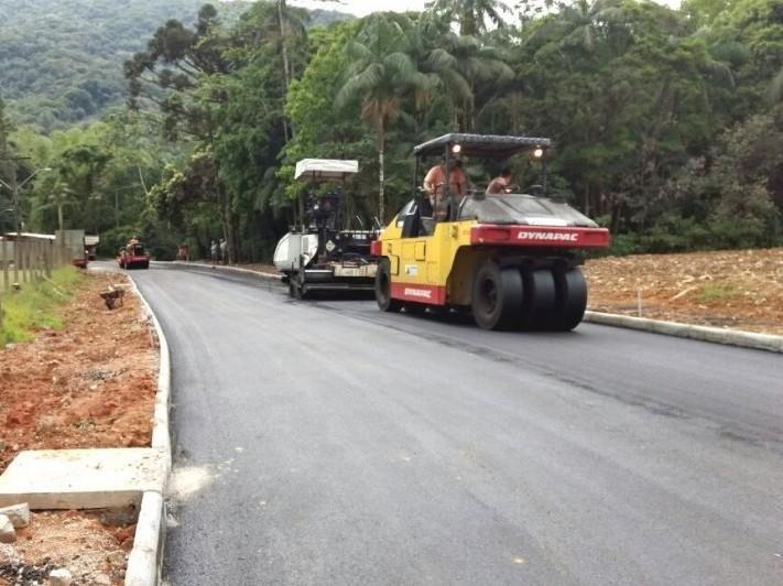 Prefeitura conclui serviços de asfaltamento na Rua Jordão