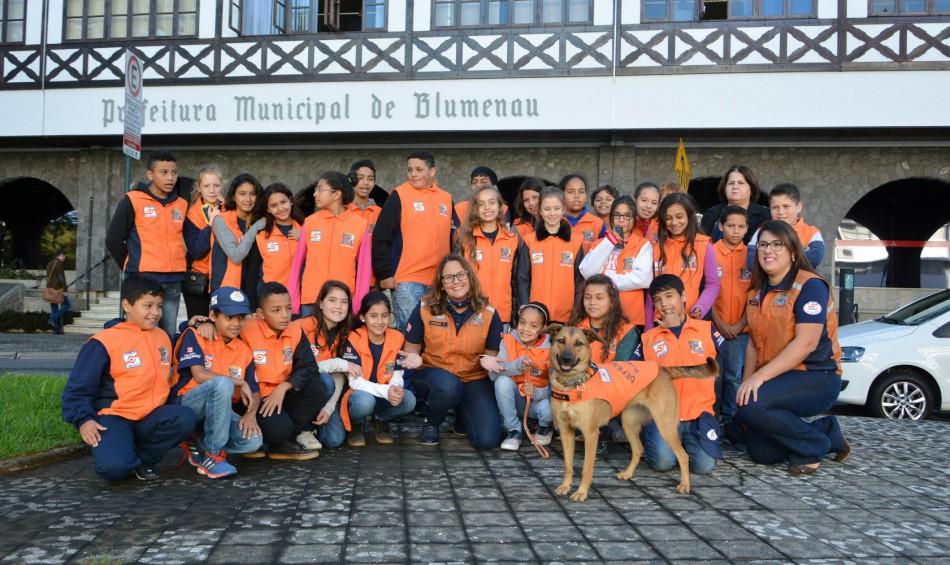 Agentes mirins da Defesa Civil visitam Prefeitura nesta quarta-feira