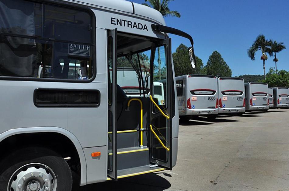 Frota do transporte coletivo recebe 19 ônibus zero quilômetro