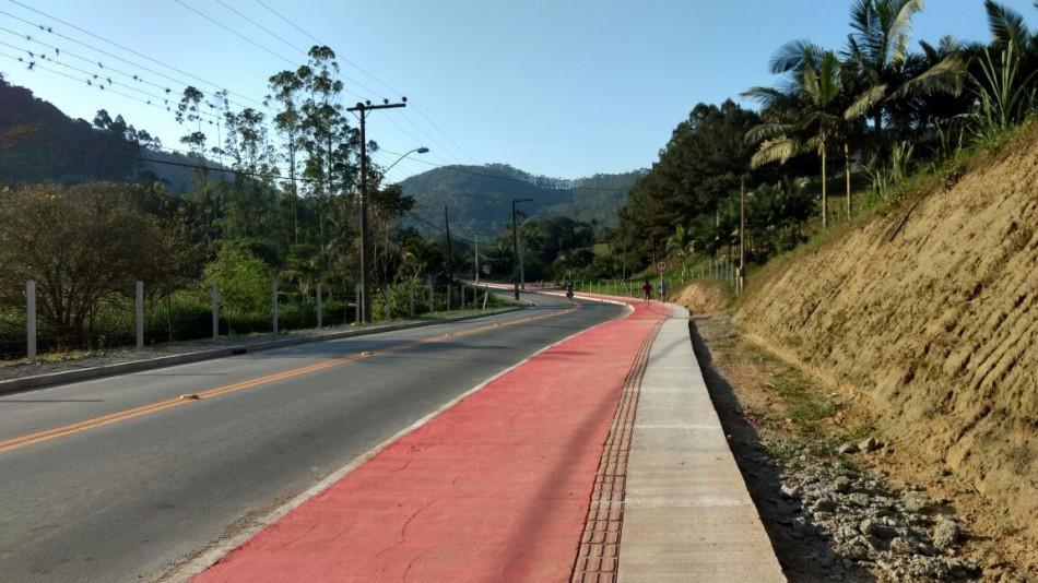 Prefeitura entrega pavimentações nos bairros Vila Nova e Fidelis