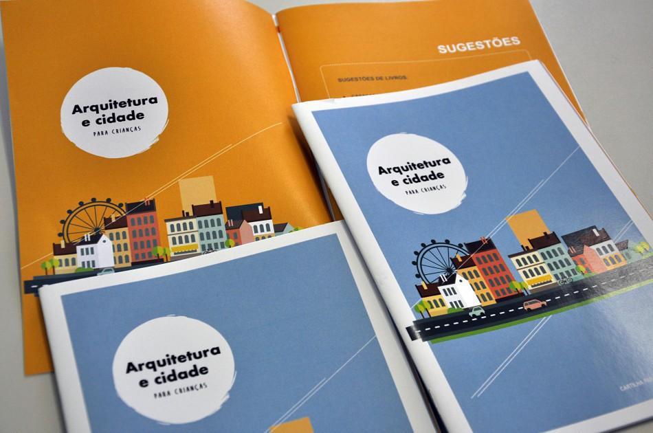 Cartilha sobre arquitetura para crianças é entregue na EBM Alberto Stein