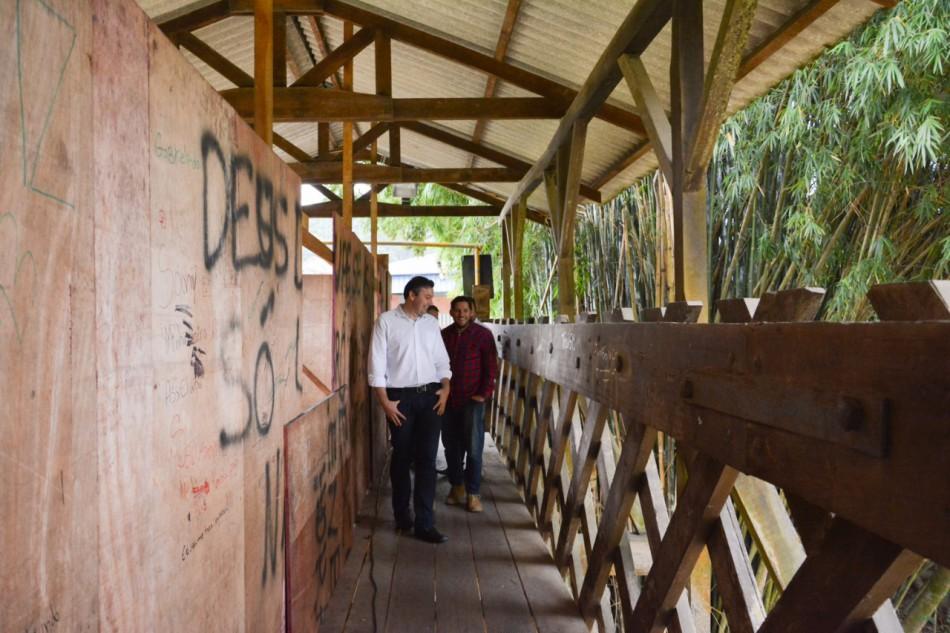 Prefeitura inicia reforma da ponte da Rua Arnold Hemmer