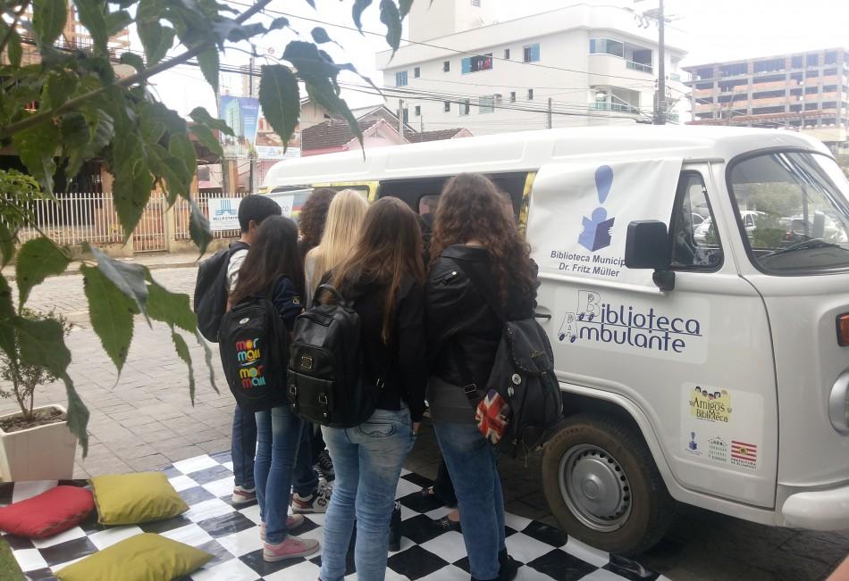 Biblioteca Ambulante volta às escolas do campo