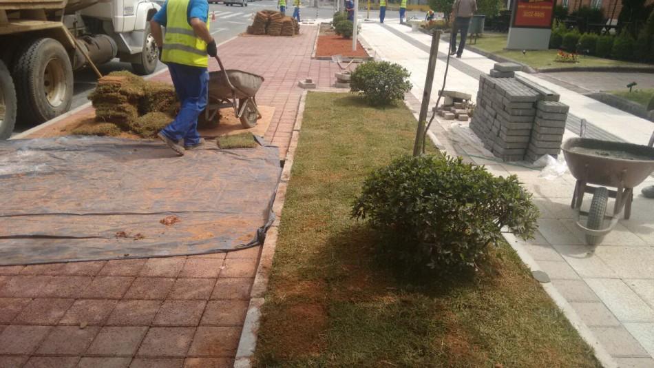 Obras de mobilidade no Centro recebem pavimento