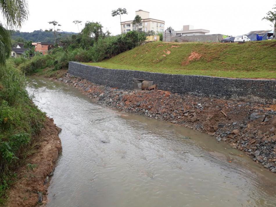Macrodrenagem no Ribeirão Fortaleza avança para etapa final