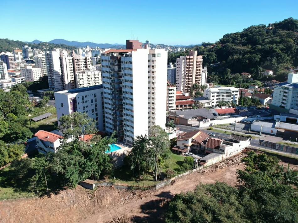 Avançam as obras de prolongamento da Rua Chile, no bairro Ponta Aguda