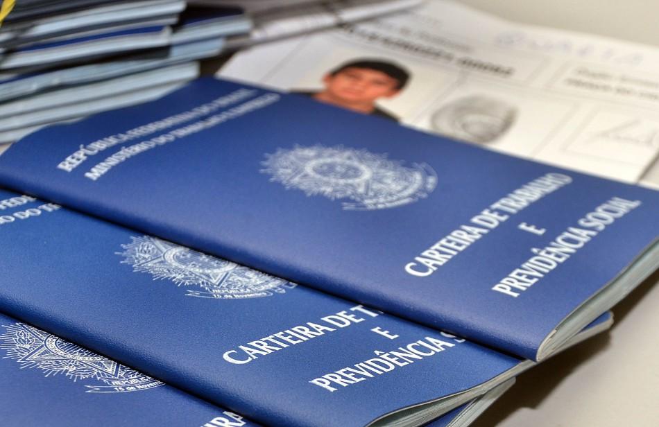 Blumenau fecha setembro com saldo positivo em geração de empregos