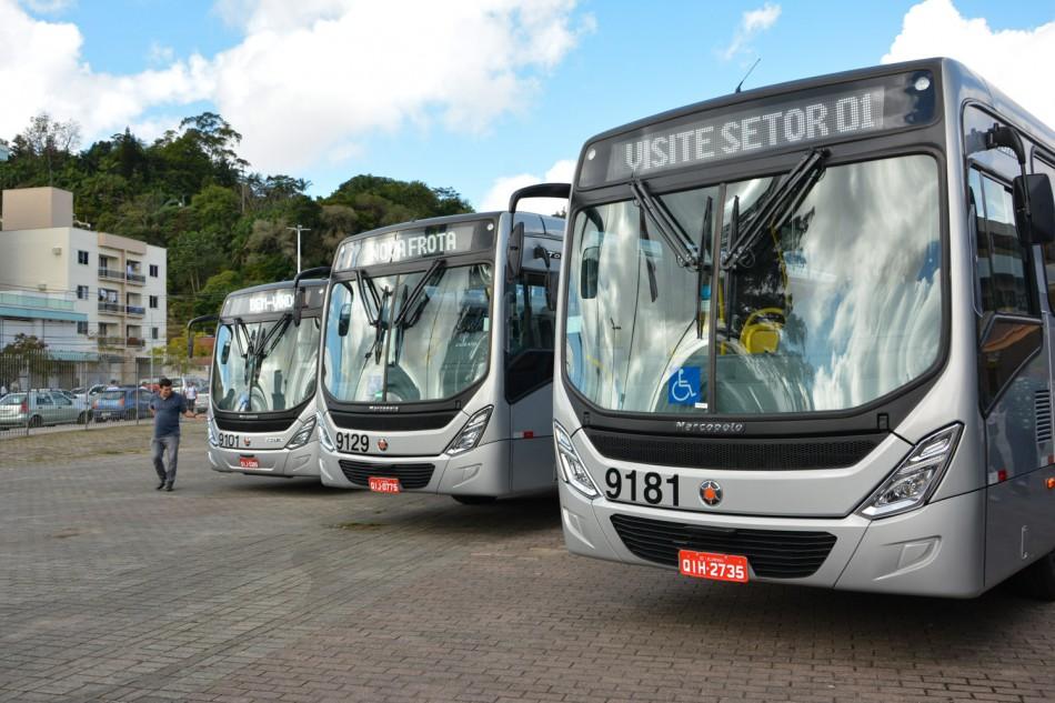 Nova frota de ônibus é apresentada à comunidade