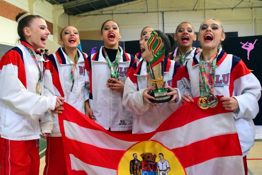 Blumenau conquista o troféu da ginástica rítmica nos Joguinhos Abertos