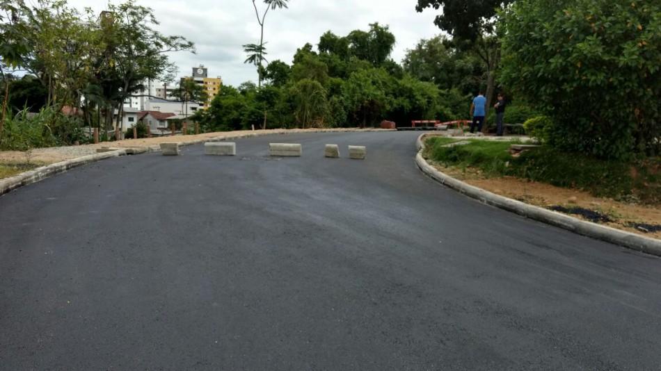 Prefeitura conclui etapa de asfaltamento da Rua do Fórum