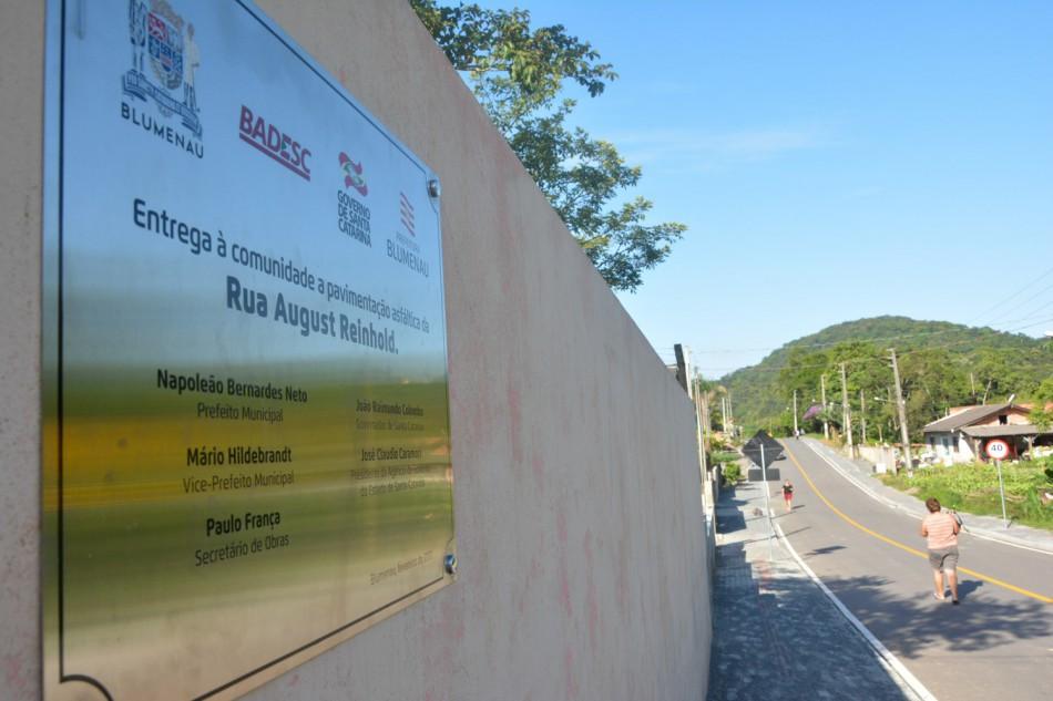 Pavimentação traz segurança à rotina escolar no bairro Nova Esperança