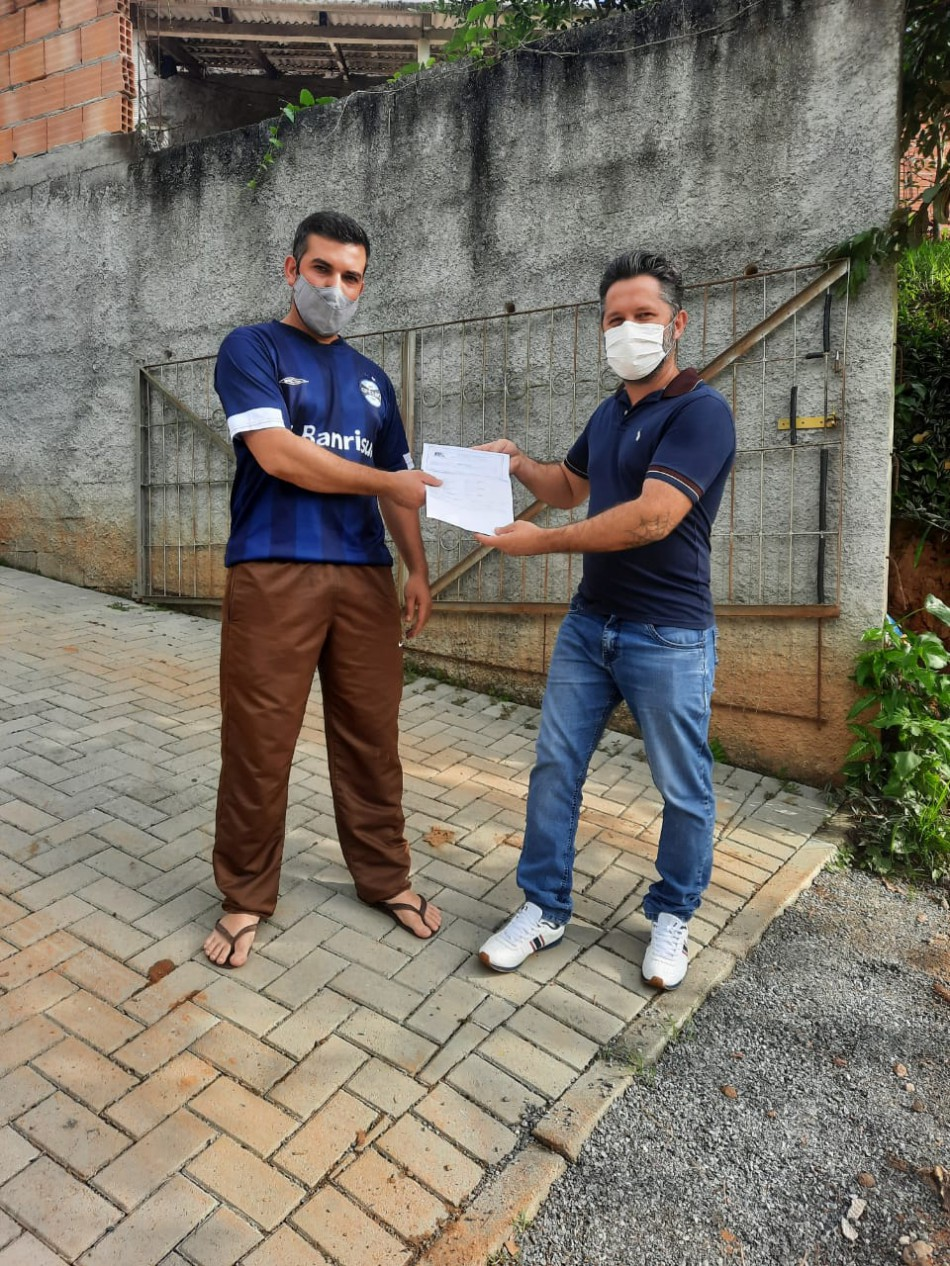 Moradores da Vila Vitória recebem números de suas casas