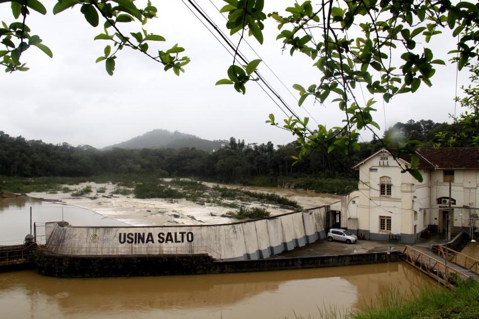 Troca das comportas da Usina do Salto afeta o abastecimento de água nesta terça-feira, dia 25