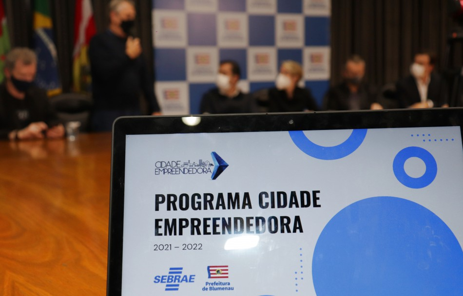 Prefeitura de Blumenau adere ao programa Cidade Empreendedora