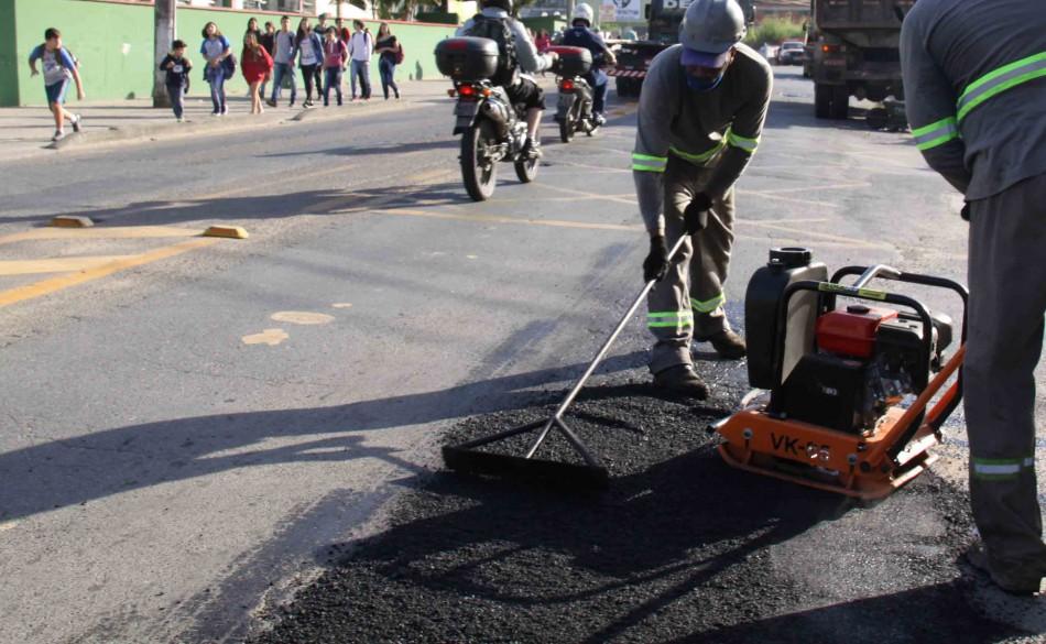 Recursos das multas de trânsito passam a custear operação de pavimentação asfáltica