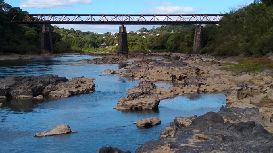 Como a estiagem afeta o nível do Rio Itajaí-Açu em Blumenau