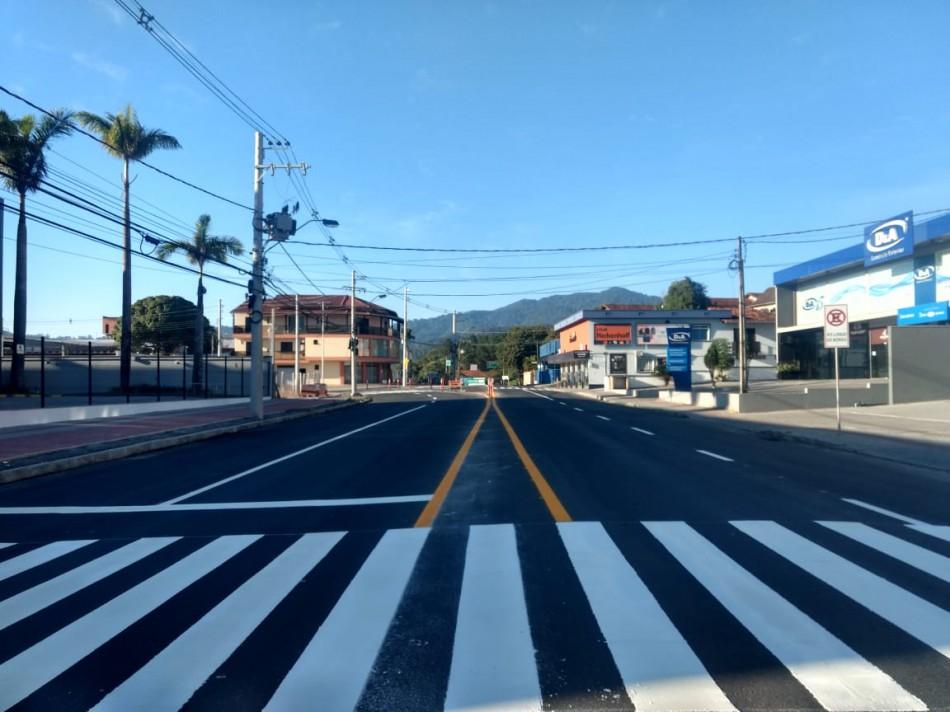 Prefeitura executa sinalização de trânsito em trecho da Rua General Osório
