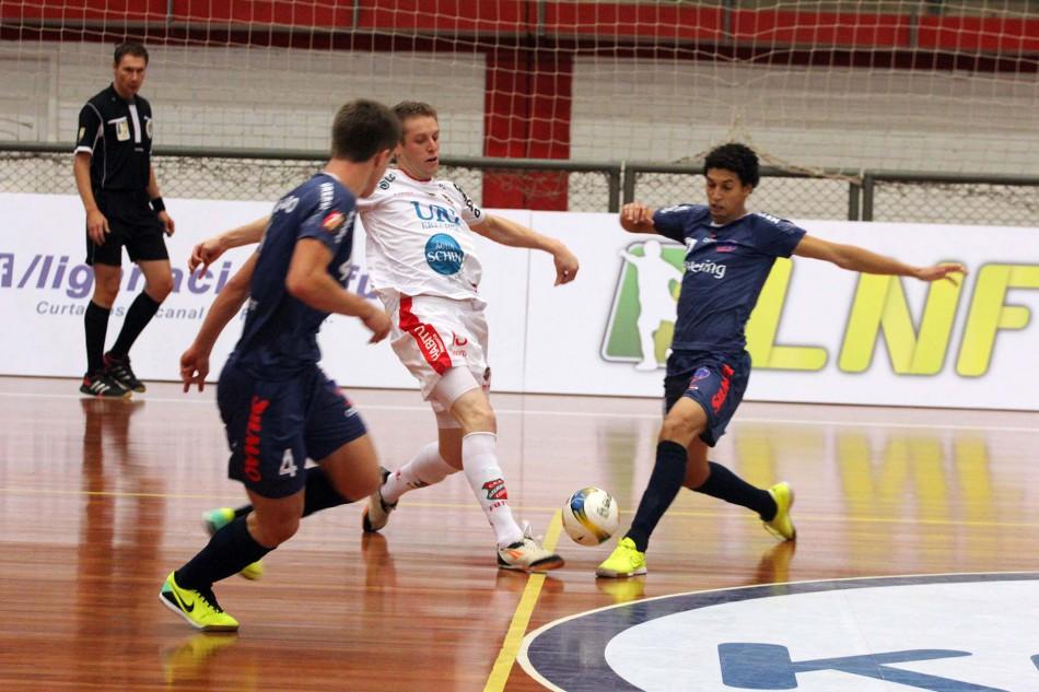 ca74151293066 Blumenau conquista a primeira vitória na Liga Nacional de Futsal ...