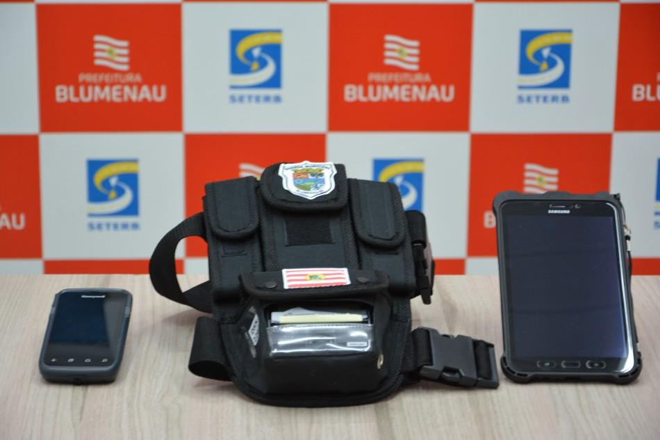 Talonários eletrônicos garantem mais segurança nos registros de autuações