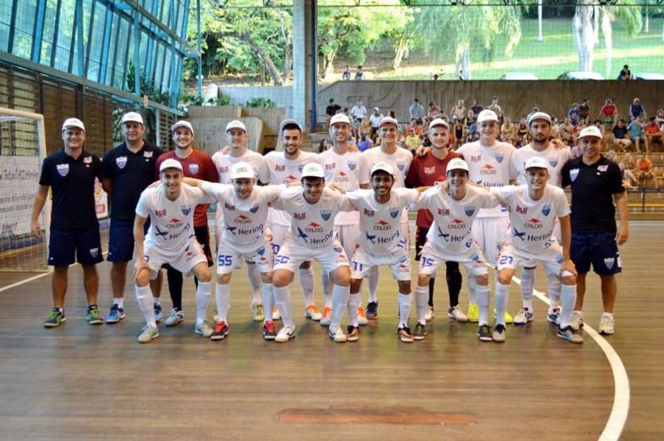 Blumenau vence a primeira no Campeonato Estadual de Futsal ... e801a30044bcf