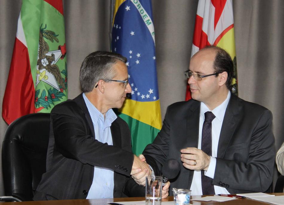 Ministro da Educação anuncia investimentos para Blumenau