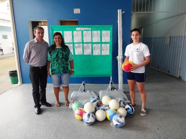 Mais notícias parecidas com Escolas da rede municipal recebem kits  esportivos 356cf4b2ef38a