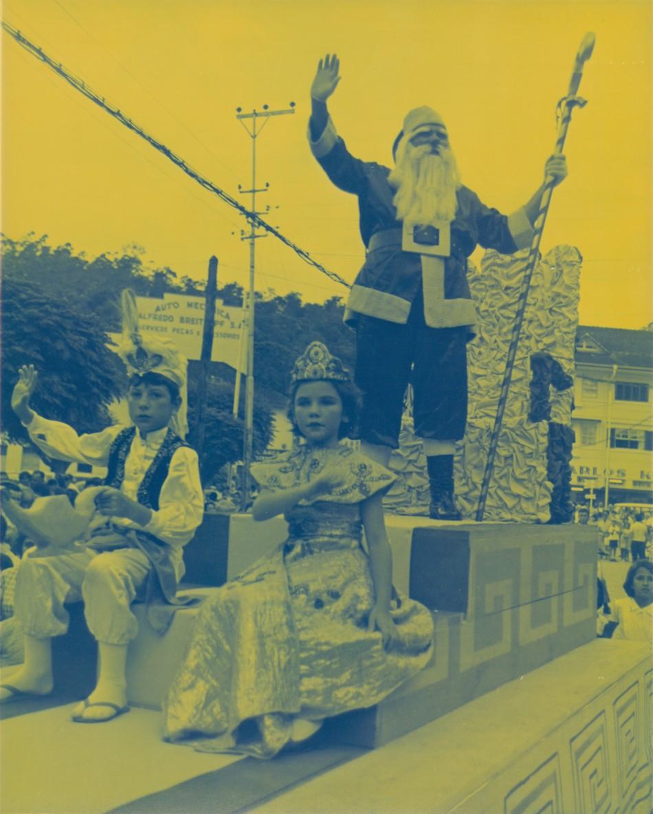 1a8391f6143 Mais notícias parecidas com Memória Digital  Hermes Macedo e o Natal