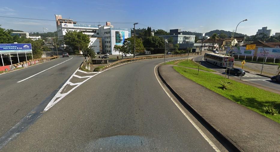 Alça de acesso da Via Expressa em direção à Rua São Paulo será pavimentada no fim de semana