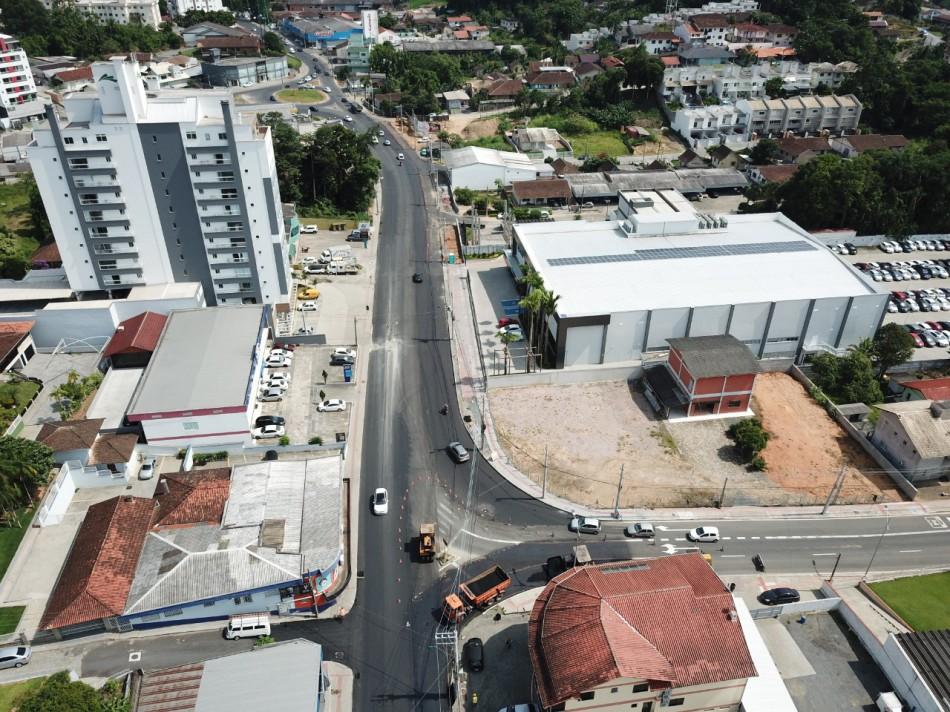 Quarta pista da Rua General Osório ganha forma